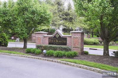 Wayne Condo/Townhouse For Sale: 903 Four Seasons Drive
