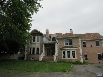 Wayne Single Family Home For Sale: 487 Ratzer Road