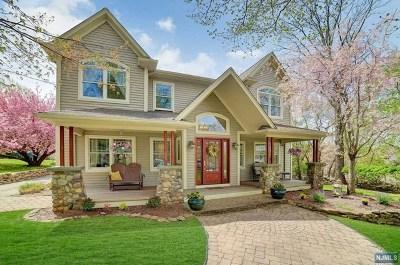 Mahwah Single Family Home For Sale: 50 Nilsen Avenue