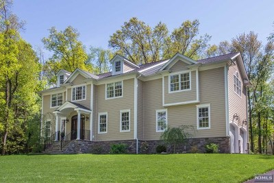 Wyckoff Single Family Home For Sale: 574 Poplar Court