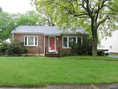 Bergenfield Single Family Home For Sale: 95 Maple Street