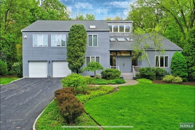 Demarest Single Family Home For Sale: 76 Northwood Avenue