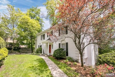 Ridgewood Single Family Home For Sale: 125 Crest Road