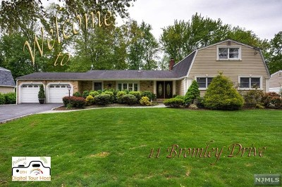 Morris County Single Family Home For Sale: 11 Bromley Drive