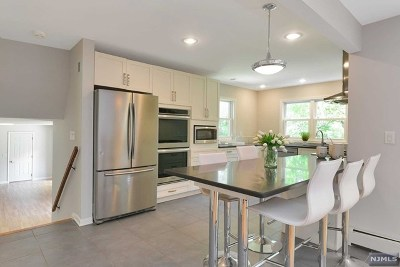 Demarest Single Family Home For Sale: 91 Wells Court