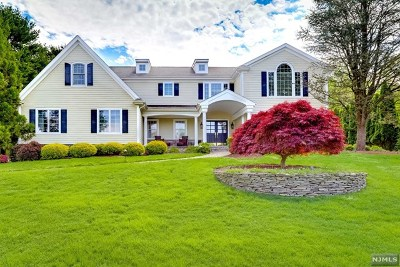 Wyckoff Single Family Home For Sale: 762 Charnwood Drive