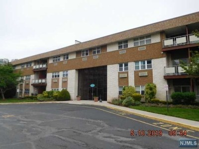 Edgewater Condo/Townhouse For Sale: 1111 River Road #F2