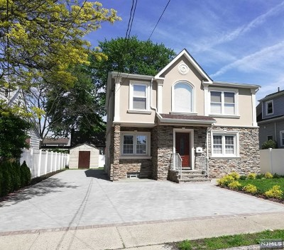 Saddle Brook Single Family Home For Sale: 264 4th Street