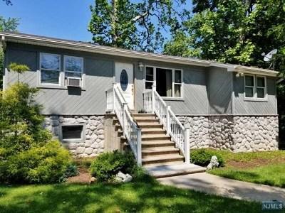 Wayne Single Family Home For Sale: 31 Lake Road