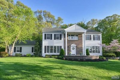 Wayne Single Family Home For Sale: 34 Darlington Drive