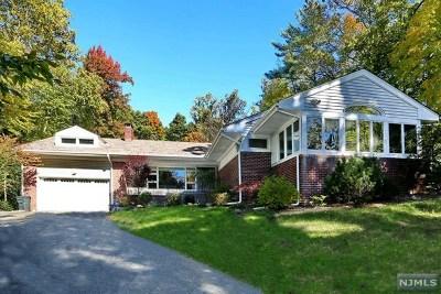 Tenafly Single Family Home For Sale: 221 East Clinton Avenue