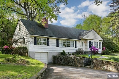 Franklin Lakes Single Family Home For Sale: 707 Black Hawk Lane