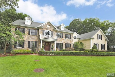 Franklin Lakes Single Family Home For Sale: 866 Aztec Trail