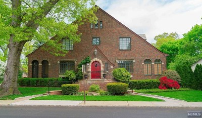 Fort Lee Single Family Home For Sale: 215 Bluff Road