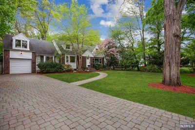 Tenafly Single Family Home For Sale: 11 Standish Court