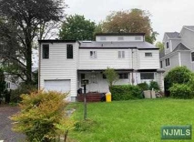 Teaneck Single Family Home For Sale: 649 Maitland Avenue