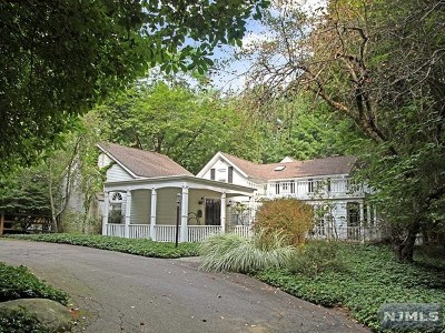 Oakland Single Family Home For Sale: 146 Long Hill Road