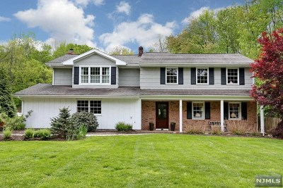 Oakland Single Family Home For Sale: 25 Glen Gray Road