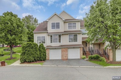 Ridgefield Condo/Townhouse For Sale: 204 Grand Ridge Drive