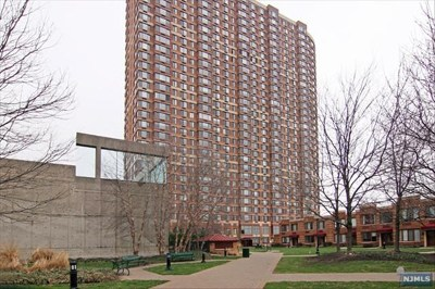 Fort Lee Condo/Townhouse For Sale: 100 Old Palisade Road #2301