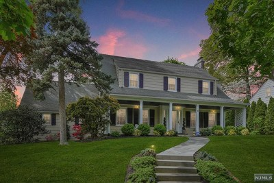 Essex County Single Family Home For Sale: 2 North Brookwood Drive