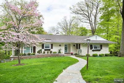 Essex County Single Family Home For Sale: 68 Stocker Road