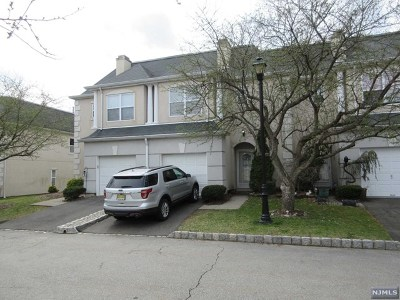 Wayne Condo/Townhouse For Sale: 8606 Brittany Drive
