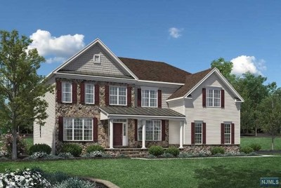 Upper Saddle River Single Family Home For Sale: Woodmere Road