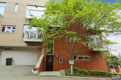 Edgewater Condo/Townhouse For Sale: 11 Vela Way
