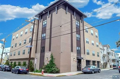 West New York Condo/Townhouse For Sale: 5903 Jefferson Street #401
