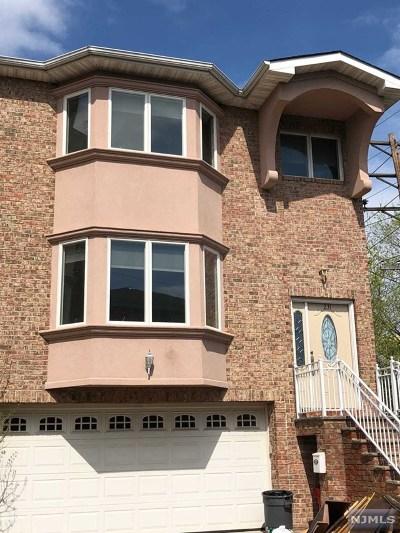 Cliffside Park Condo/Townhouse For Sale: 231 Crescent Lane