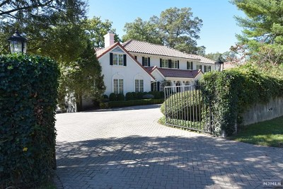 Englewood Cliffs Single Family Home For Sale: 200 Pershing Road