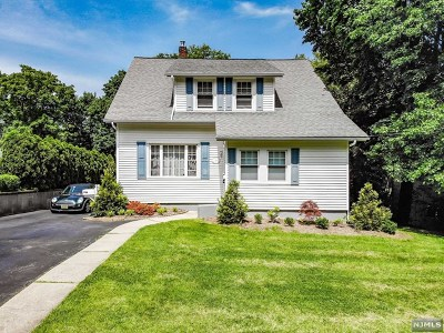 Glen Rock Single Family Home For Sale: 23 Kenmore Place