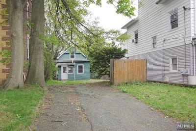 Ridgefield Park Single Family Home For Sale: 42 Grove Street