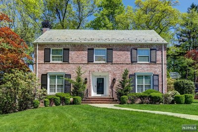 Essex County Single Family Home For Sale: 19 Overhill Road