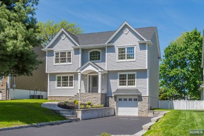 Essex County Single Family Home For Sale: 46 Winding Way