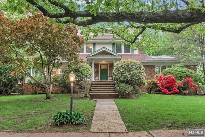 Essex County Single Family Home For Sale: 584 Ridgewood Avenue