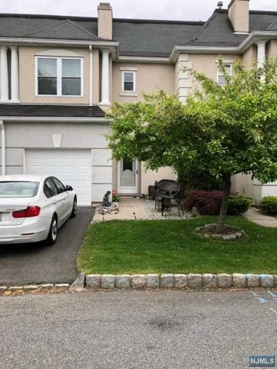 Wayne Condo/Townhouse For Sale: 8503 Brittany Drive