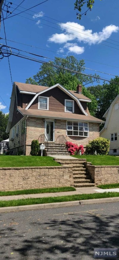 Teaneck Single Family Home For Sale: 1167 Julia Street