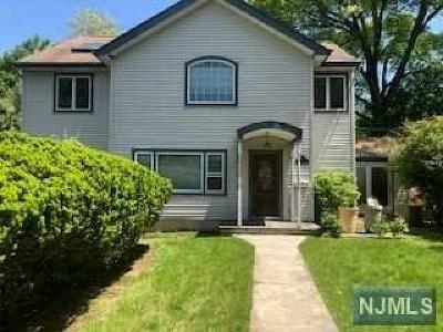 Ridgewood Single Family Home For Sale: 453 Stevens Avenue