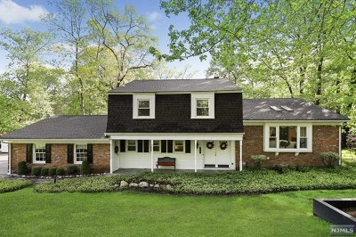 Franklin Lakes Single Family Home For Sale: 907 Olentangy Road