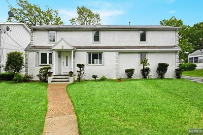 Teaneck Single Family Home For Sale: 264 Lindbergh Boulevard