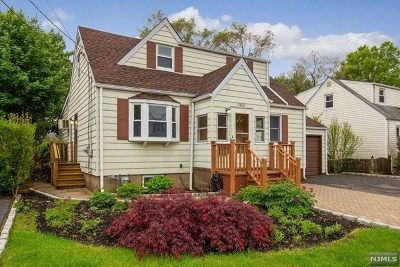 Fair Lawn Single Family Home For Sale: 39-10 Taylor Road