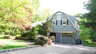 Oakland Single Family Home For Sale: 44 Tuscarora Drive
