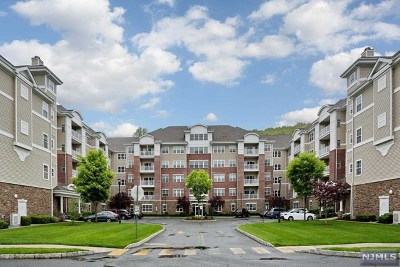 Wanaque Condo/Townhouse For Sale: 1312 Warrens Way #312