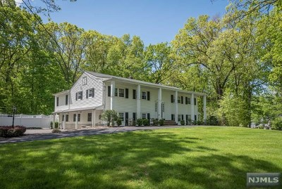 Mahwah Single Family Home For Sale: 10 Glenmere Terrace