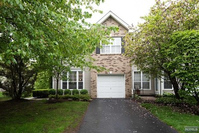 Mahwah Condo/Townhouse For Sale: 343 Vista View Drive