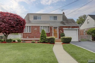 Fair Lawn Single Family Home For Sale: 7-18 Berdan Avenue