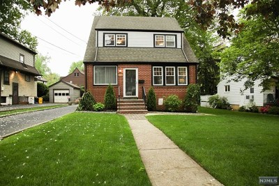 Teaneck Single Family Home For Sale: 274 Sherman Avenue