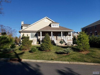 Essex County Single Family Home For Sale: 18 Ferndale Road